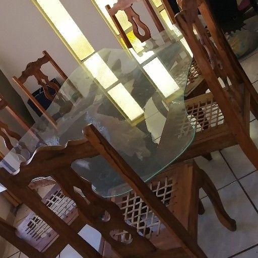 eetkamerstel met 8 stoele