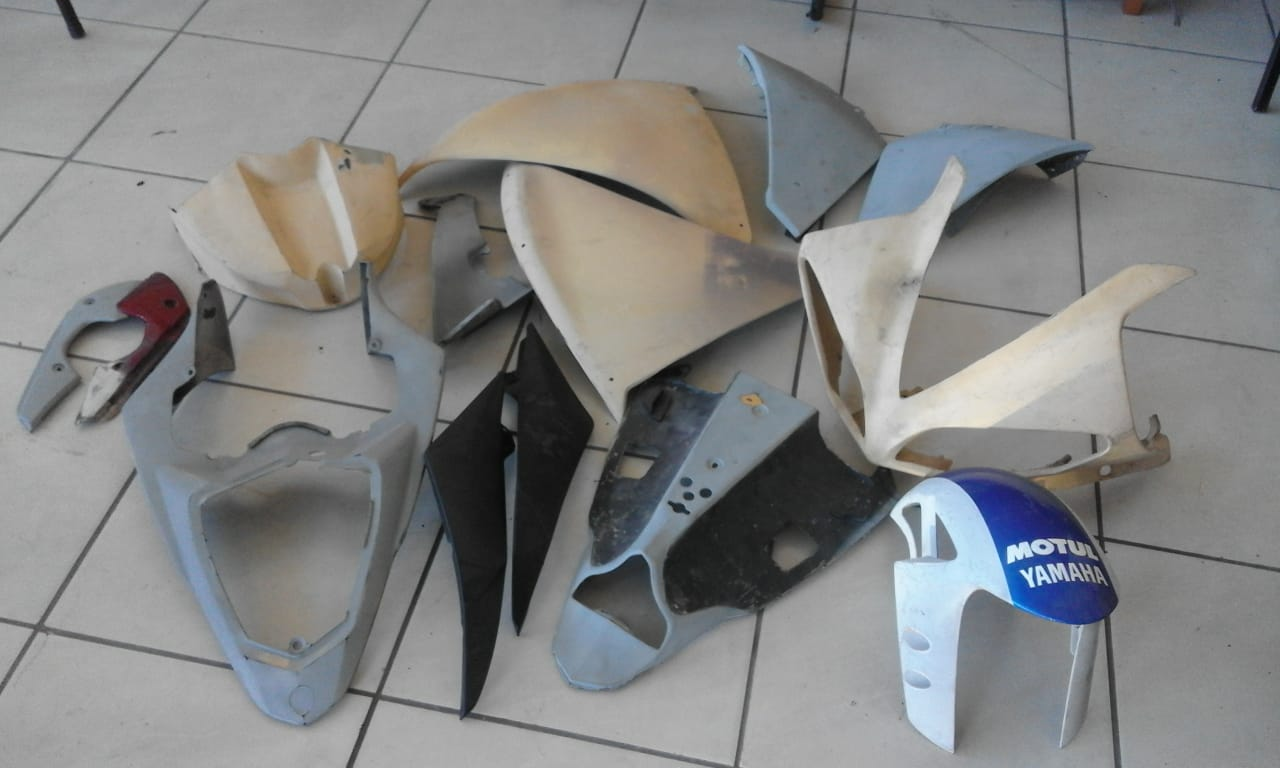 Original Yamaha Big Bang panels and fairings