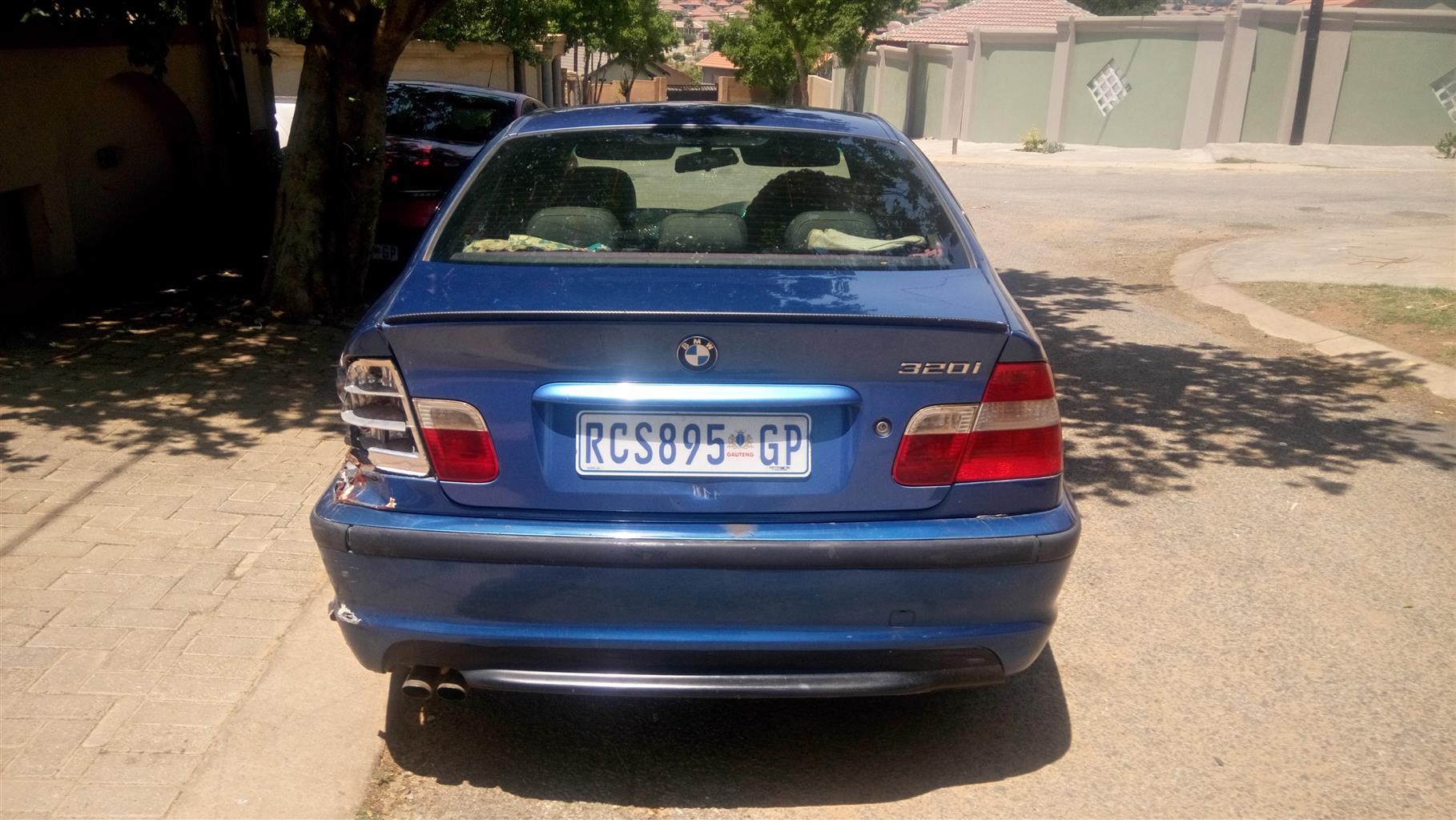 2004 BMW 3 Series sedan