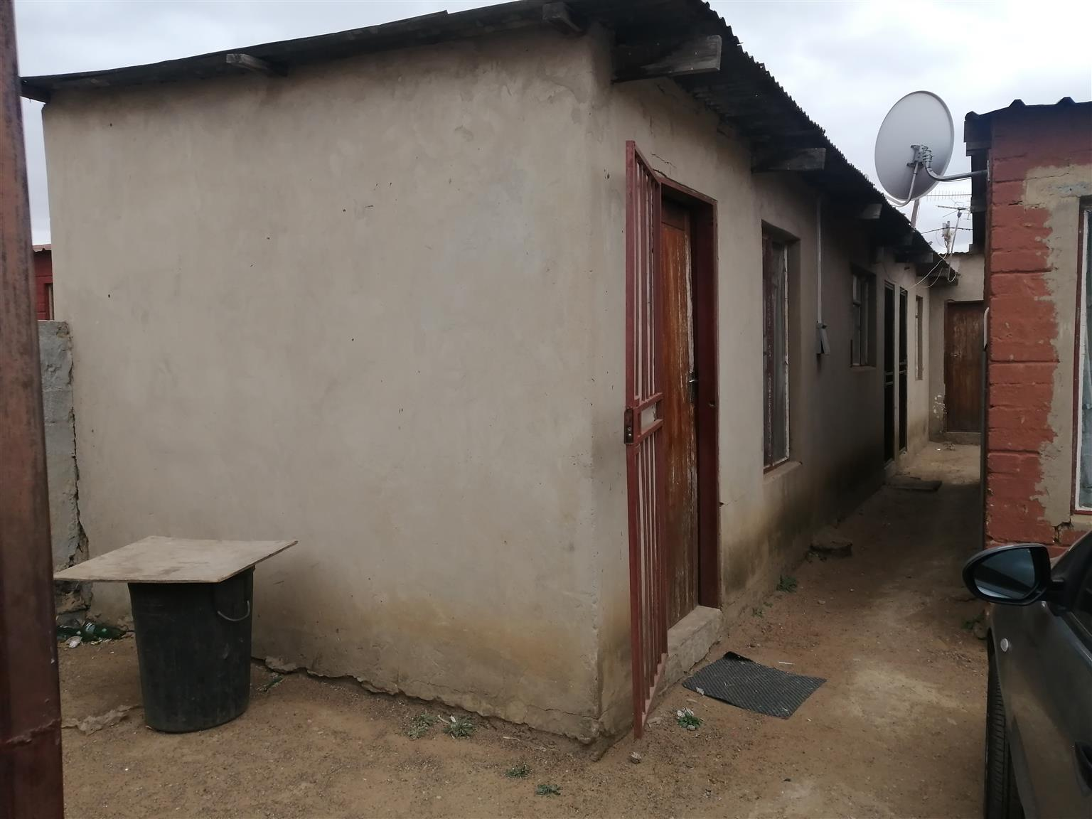 4 Room House with outside rooms for sale