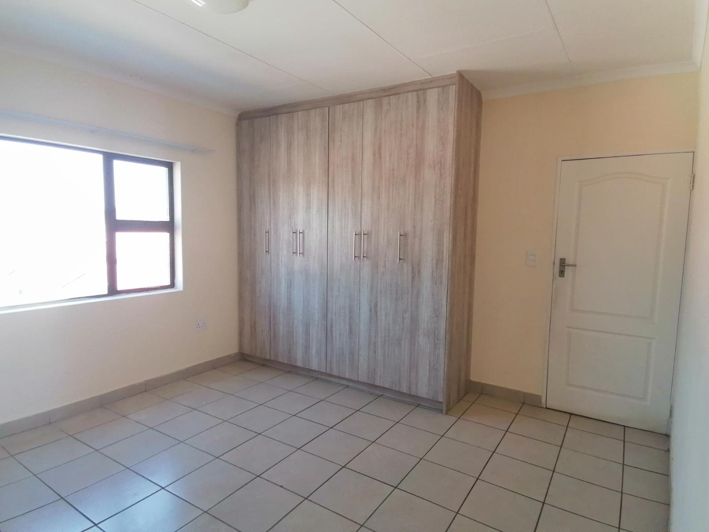 Townhouse Rental Monthly in Pomona A H