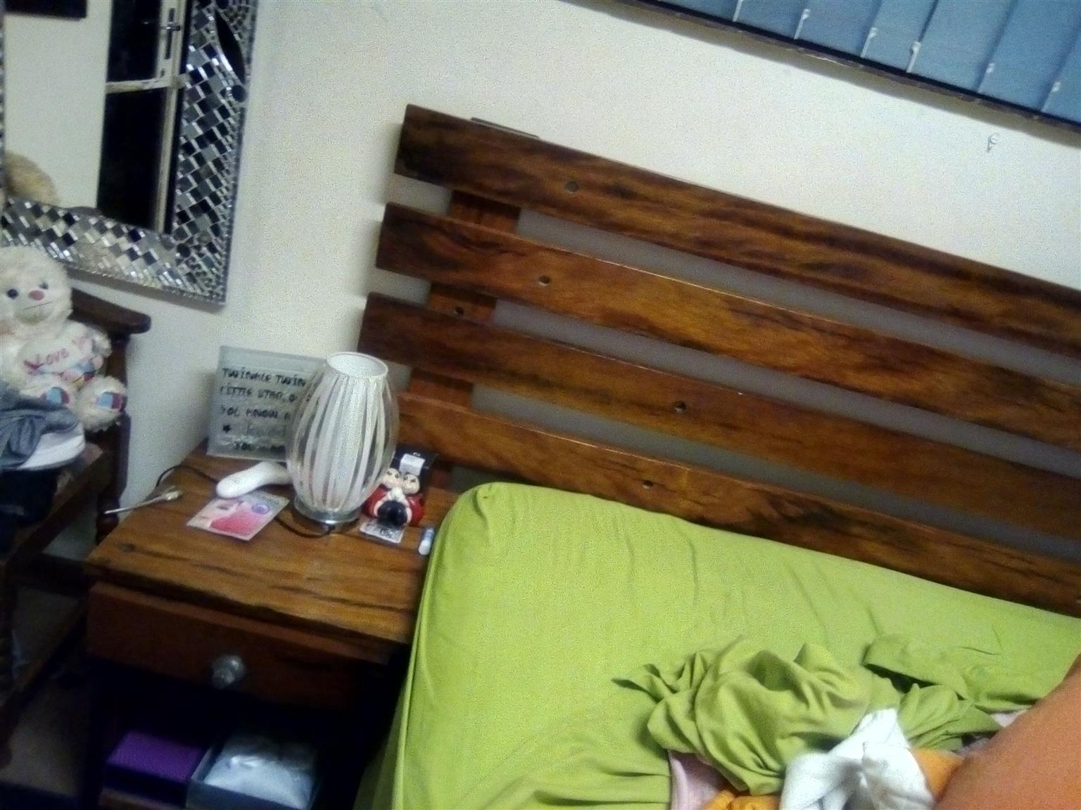 hundred percent sleepert bedroom set