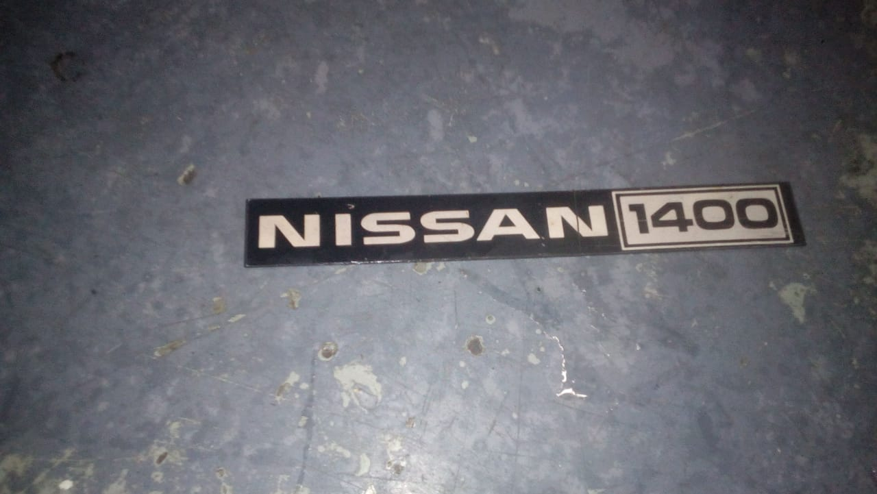 Nissan 1400 badge
