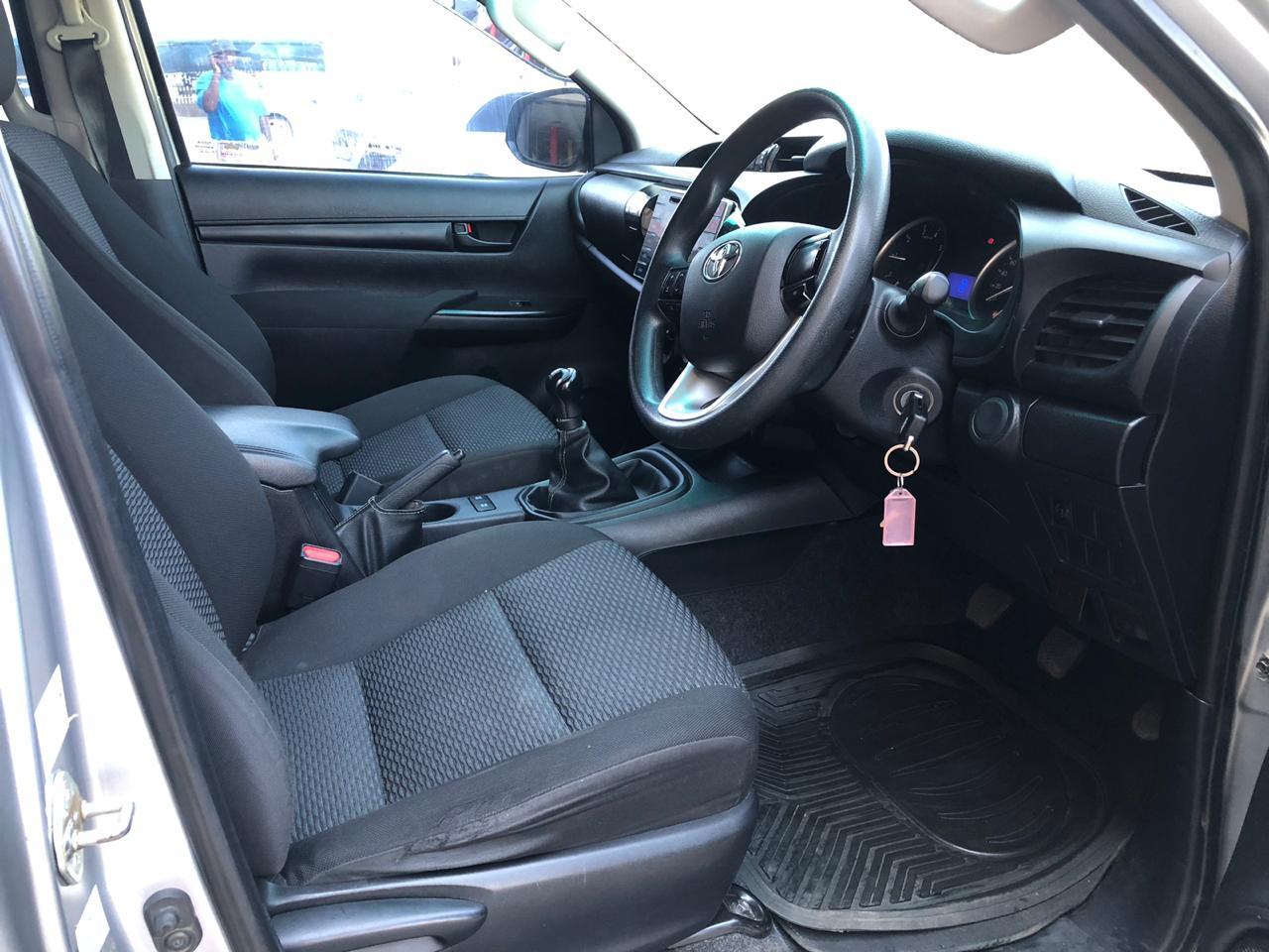 2016 Toyota Hilux double cab HILUX 2.4 GD 6 RB SR P/U D/C