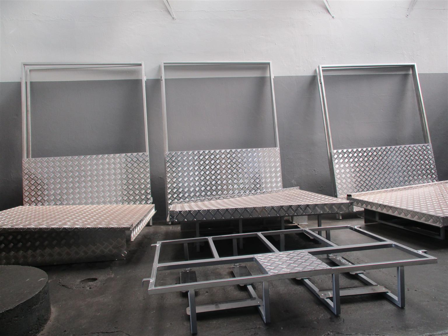 PORTABLE FOOD WARMERS STANDS FOR SALE