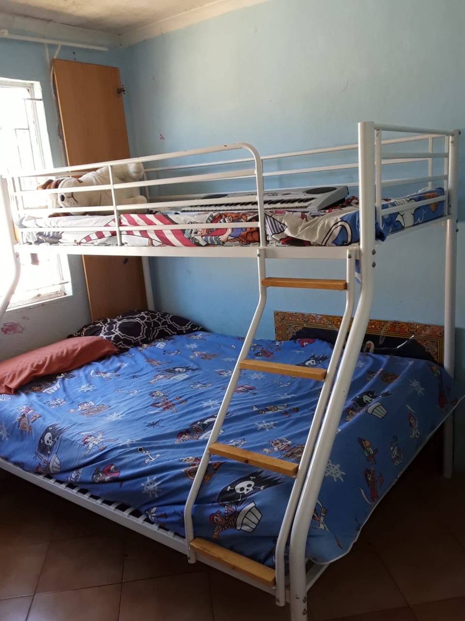 Picture of: 3 4 Bunk Bed 3 Sleeper Junk Mail