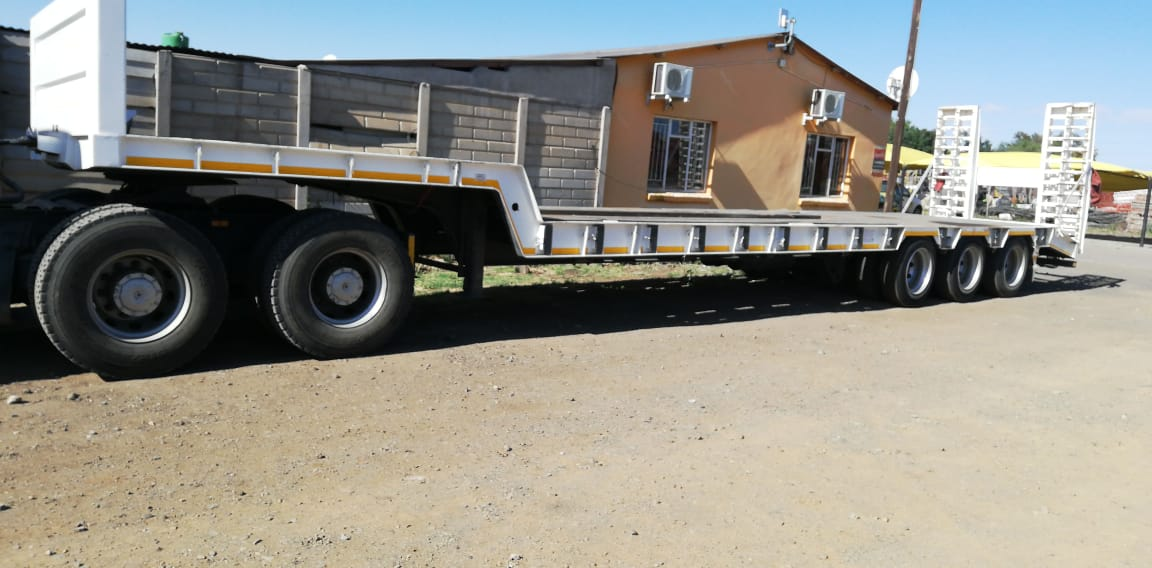 2018 Tri-axle Low Bef for sale