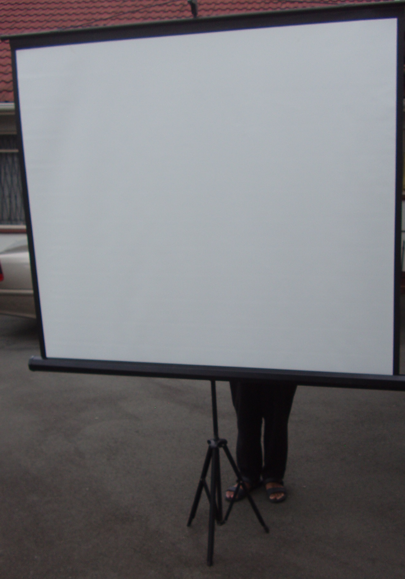 Projector screen -  As New - on stand - 1400mm x 1550mm