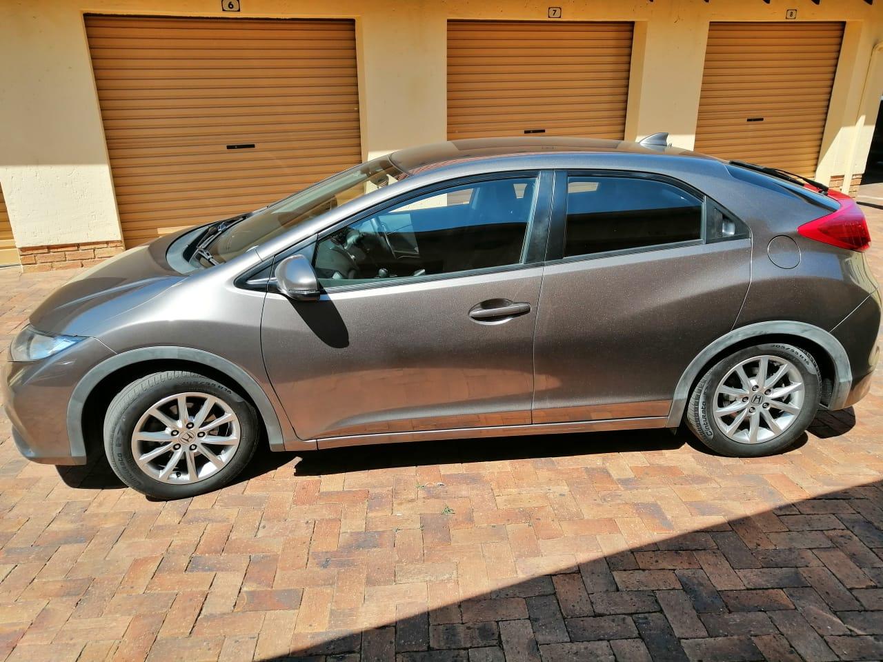 2013 Honda Civic hatch 1.8 Elegance