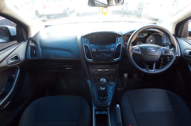 2016 Ford Focus sedan 1.0T Trend
