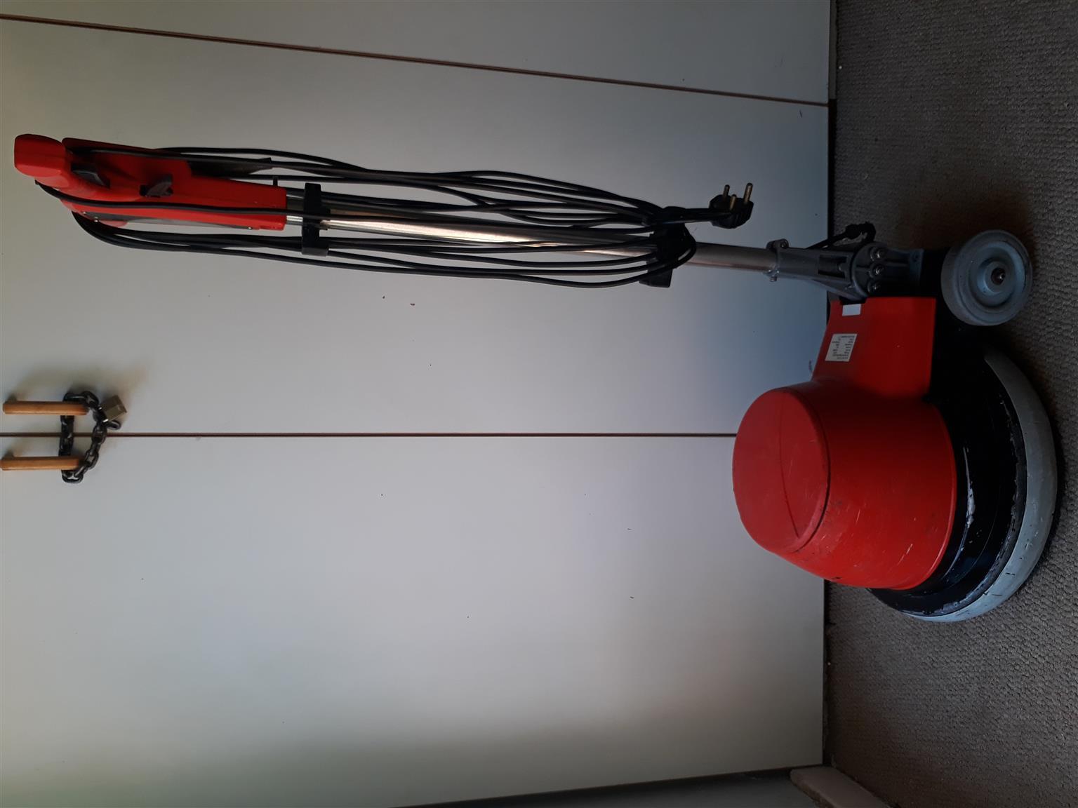 3x Floor polisher / scrubber/ carpet cleaner