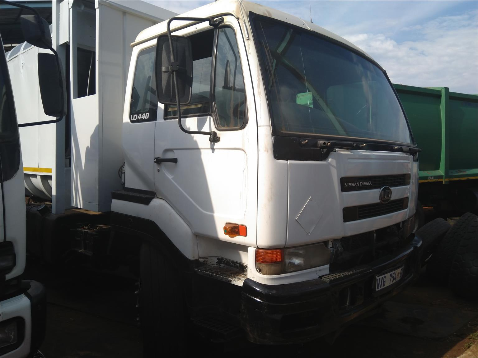 2008 Compactor Nissan UD440 READY AND AVAILABLE