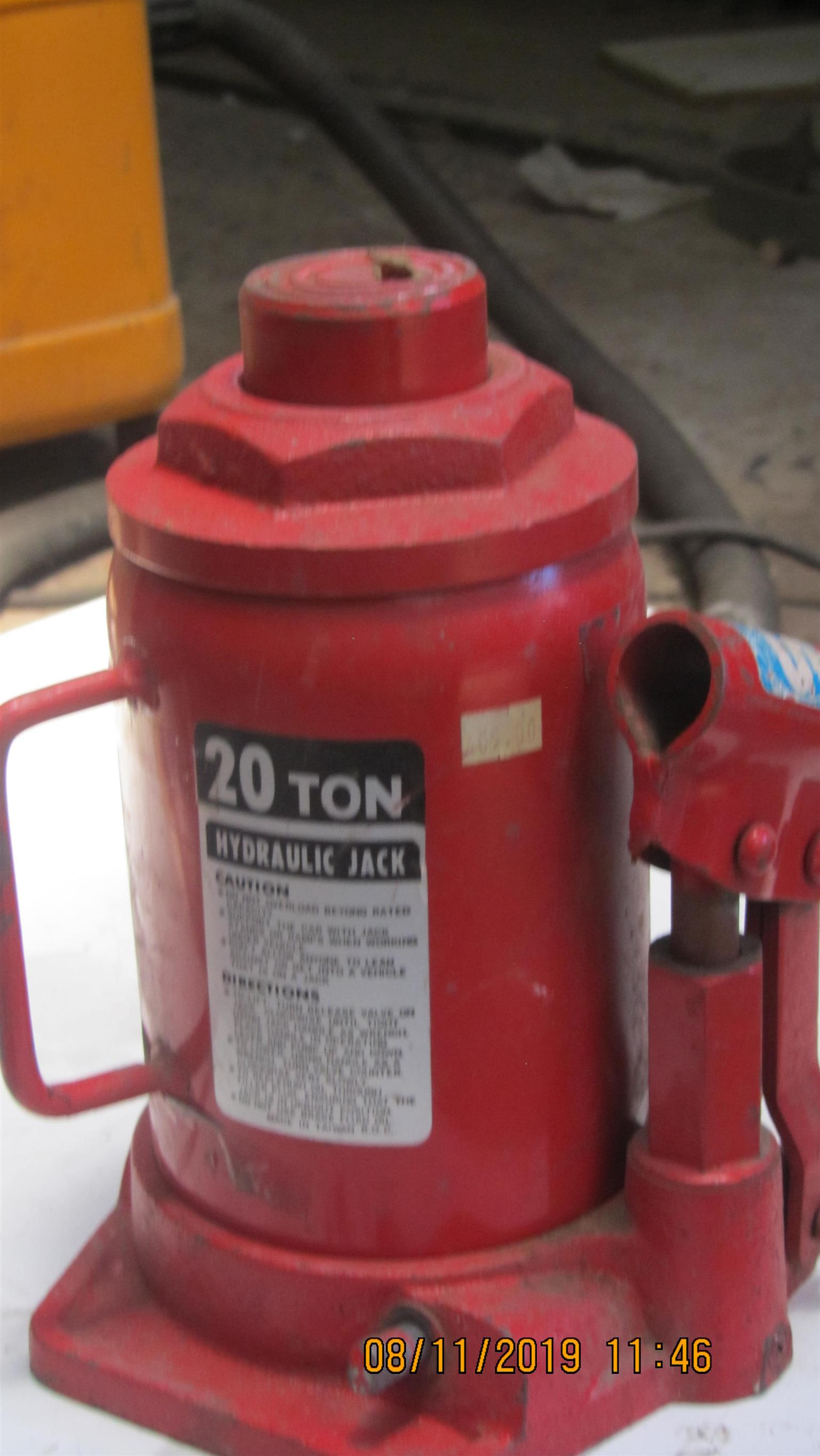 Bottle Jack 20 ton in perfect working order