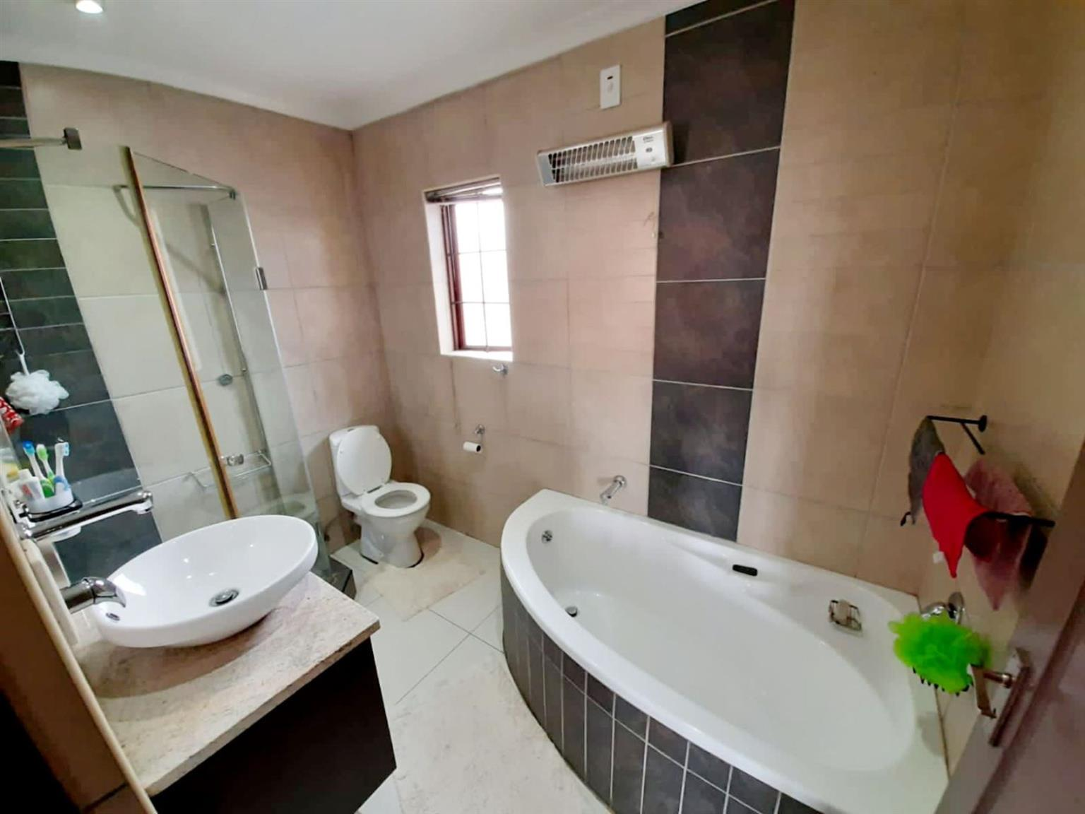 House For Sale in KOSMOSDAL