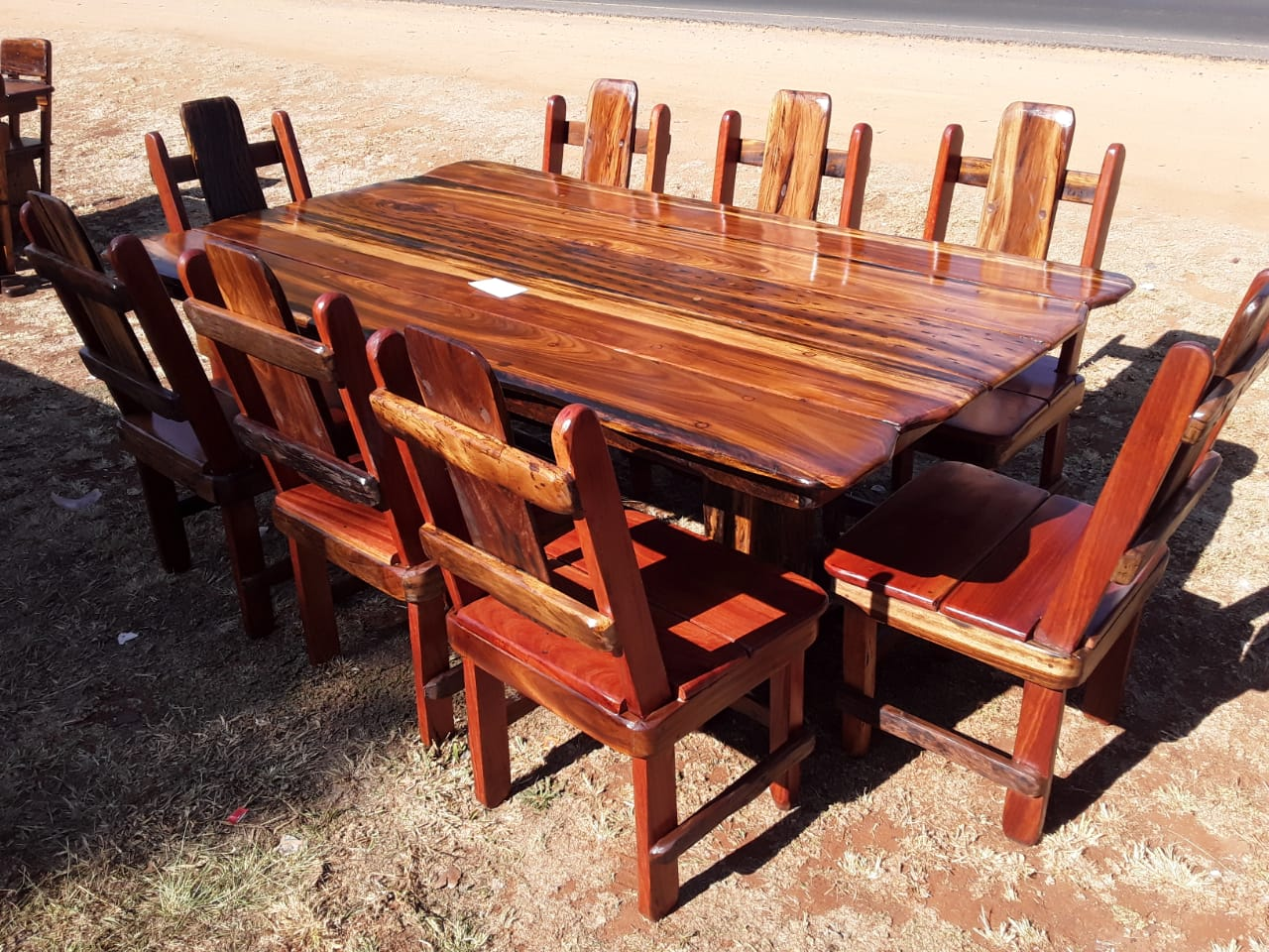 Sleeper Dining room table 2000×1200 with 8 chairs
