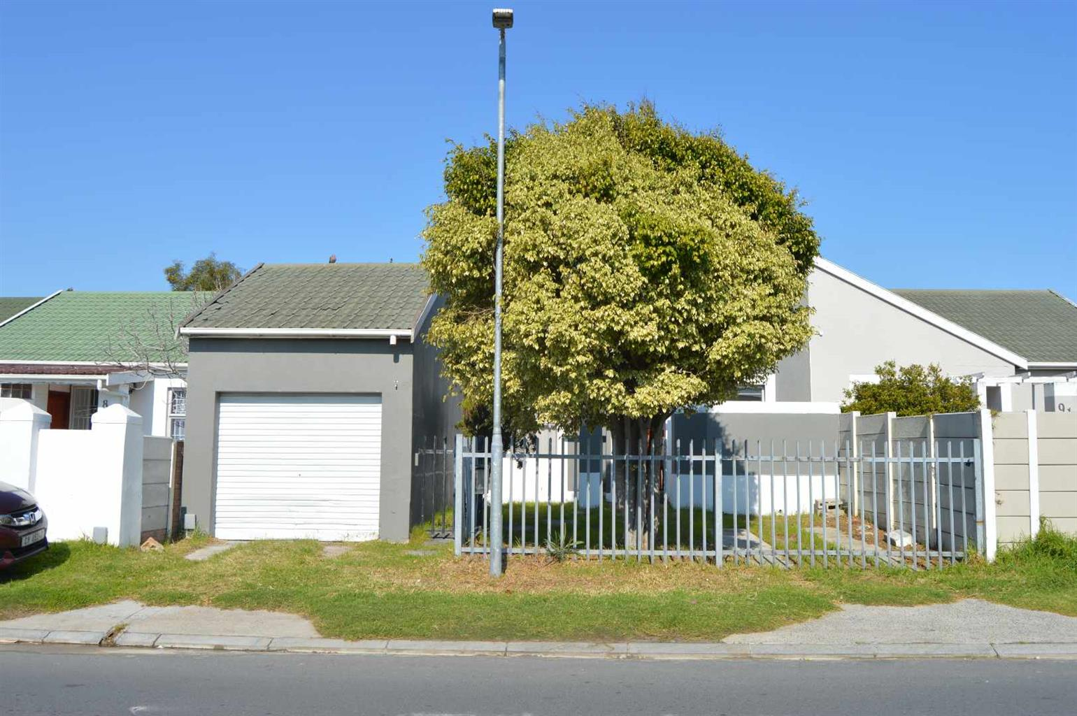 House For Sale in Summer Greens