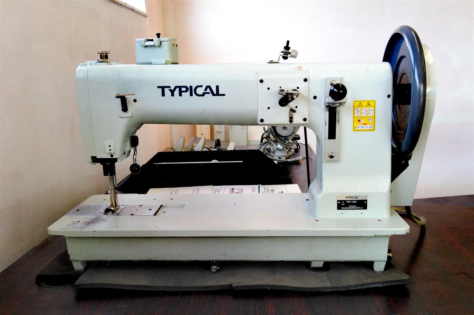 Excellent Condition Typical TW1-243 HEAVY DUTY INDUSTRIAL SEWING MACHINE