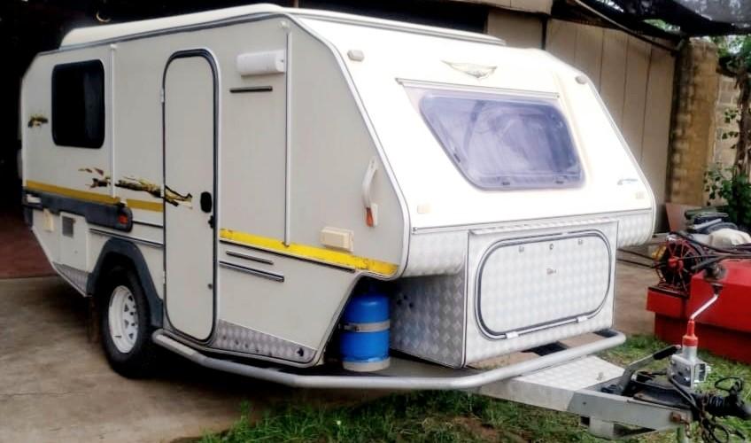 2004 Jurgens Safari Xplorer Caravan for sale