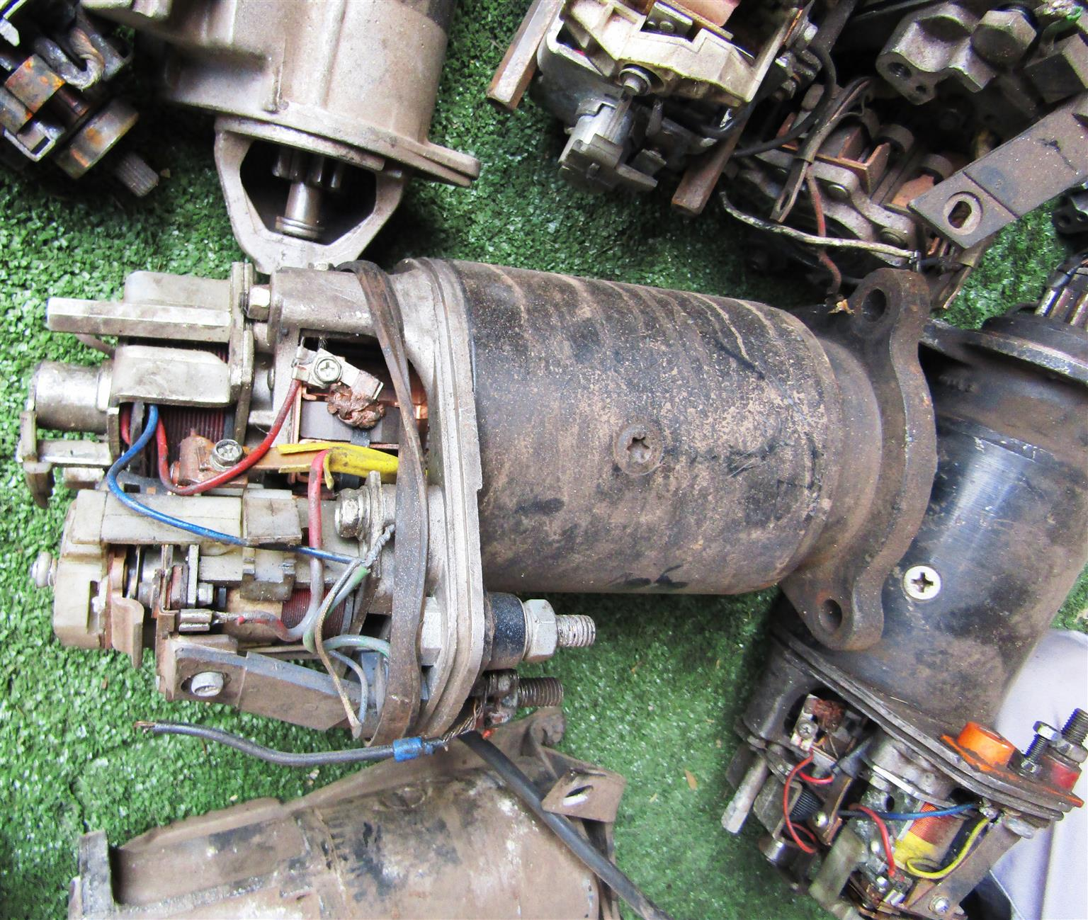 Assorted Starter Motors x 18 - for spares or repairs only!