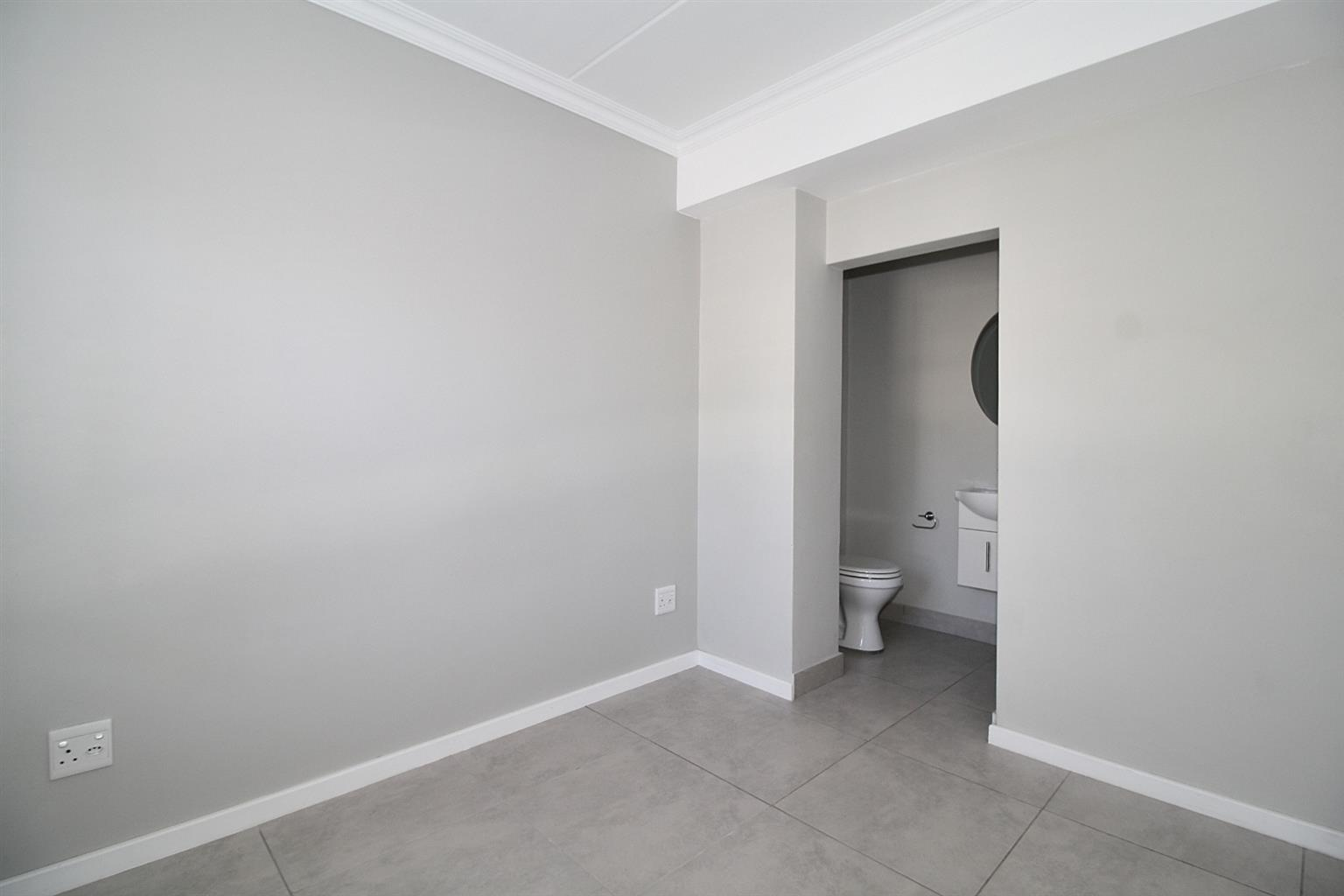 Apartment For Sale in Silver Oaks