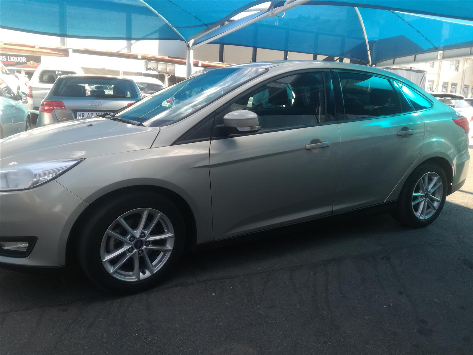 2015 Ford Focus sedan 1.6 Trend