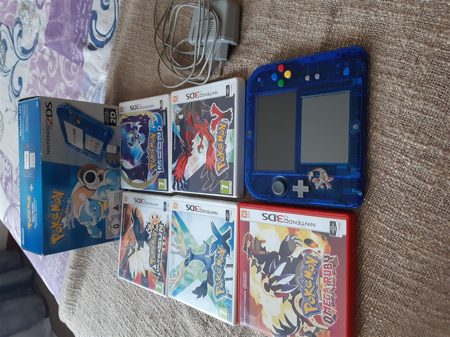 Limited Special edition Pokemon Blue Nintendo 2DS and games