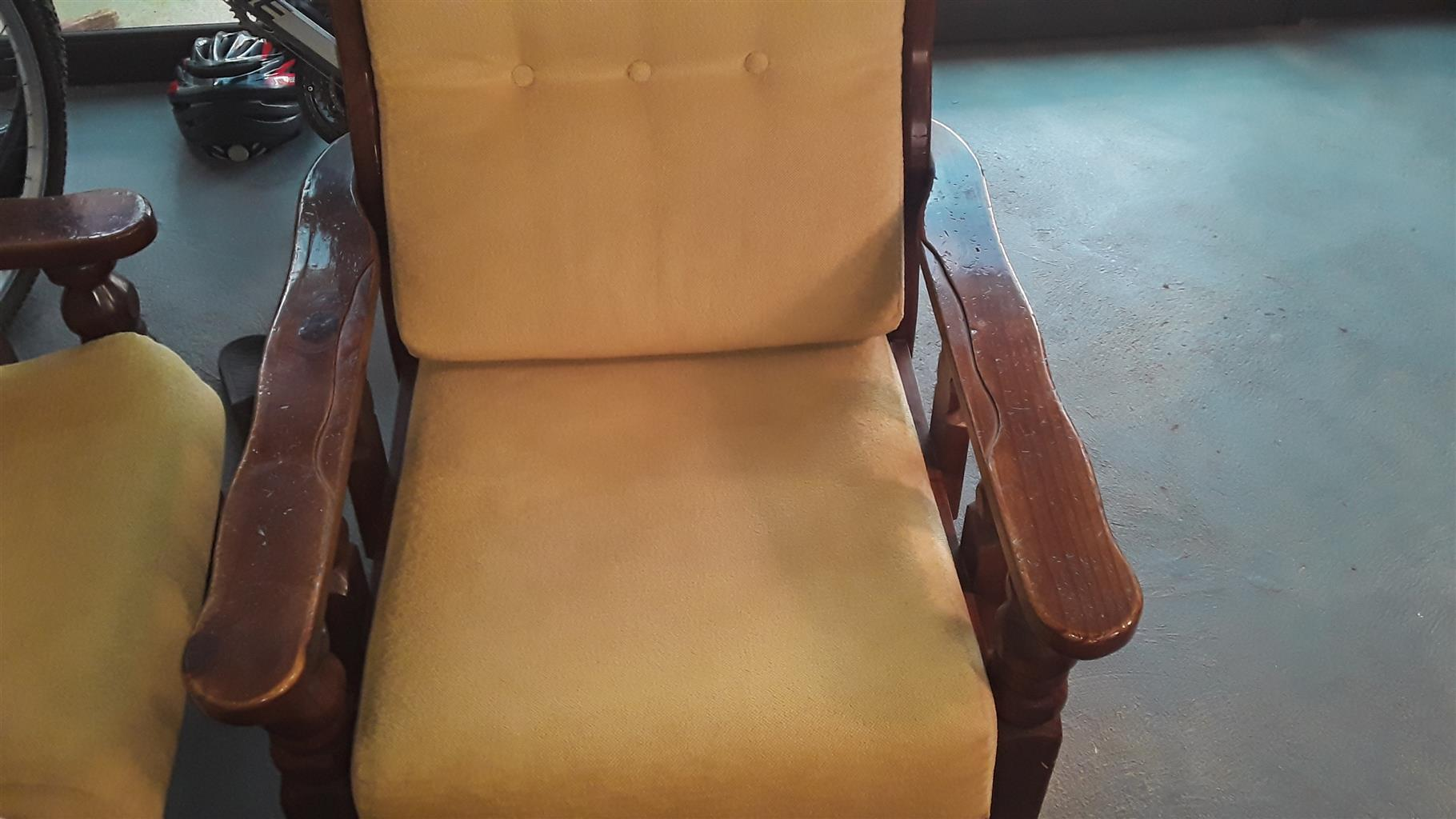 6 Seat Wood Lounge Suit