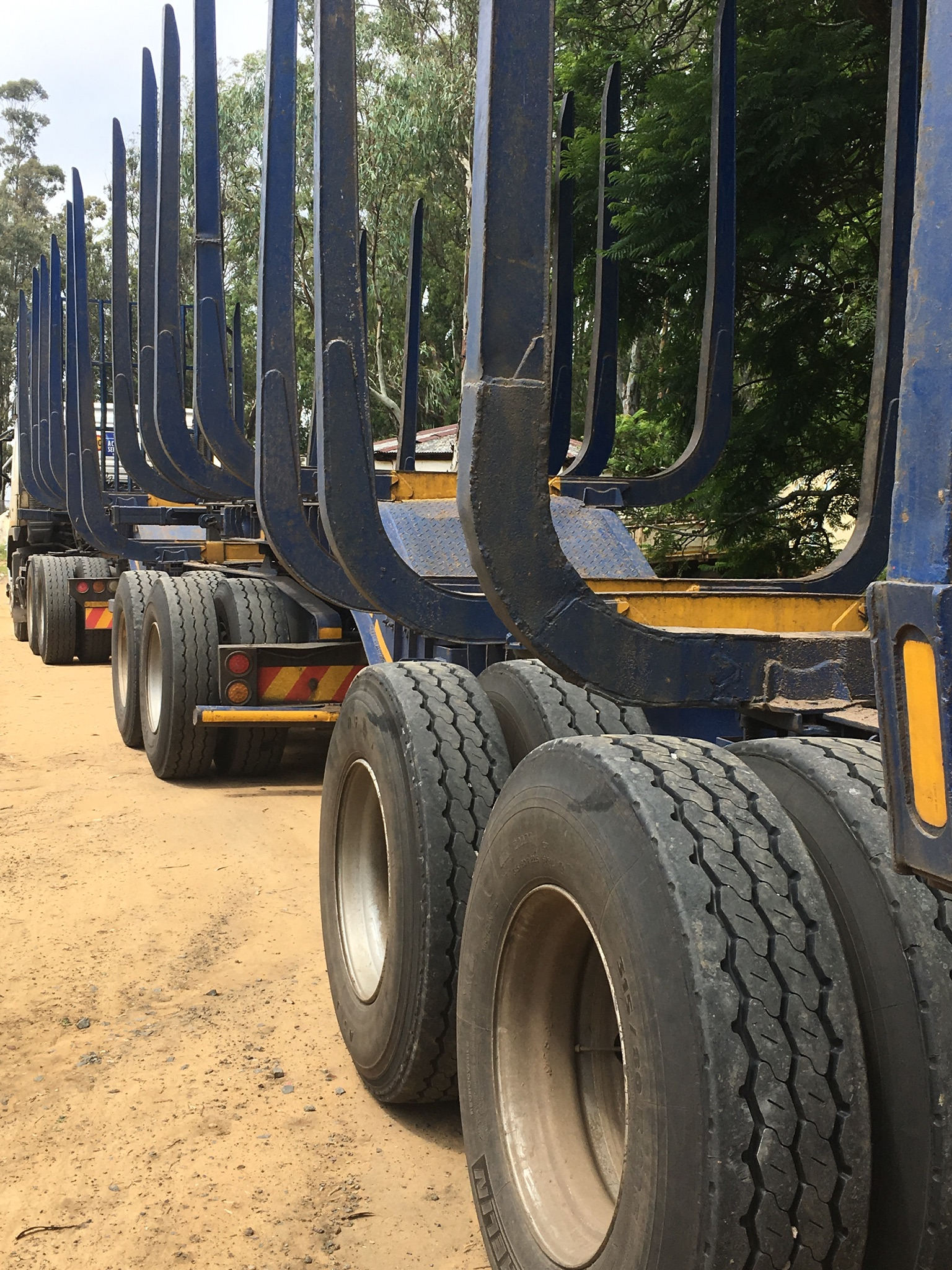 2008 Volvo fm400 truck& timber link