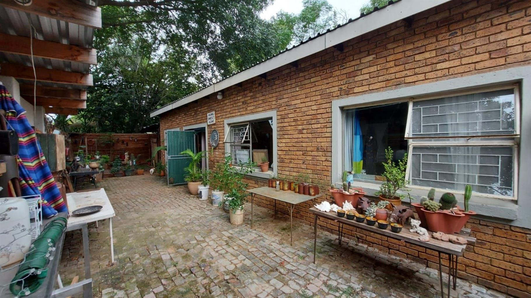 House For Sale in VILLIERIA