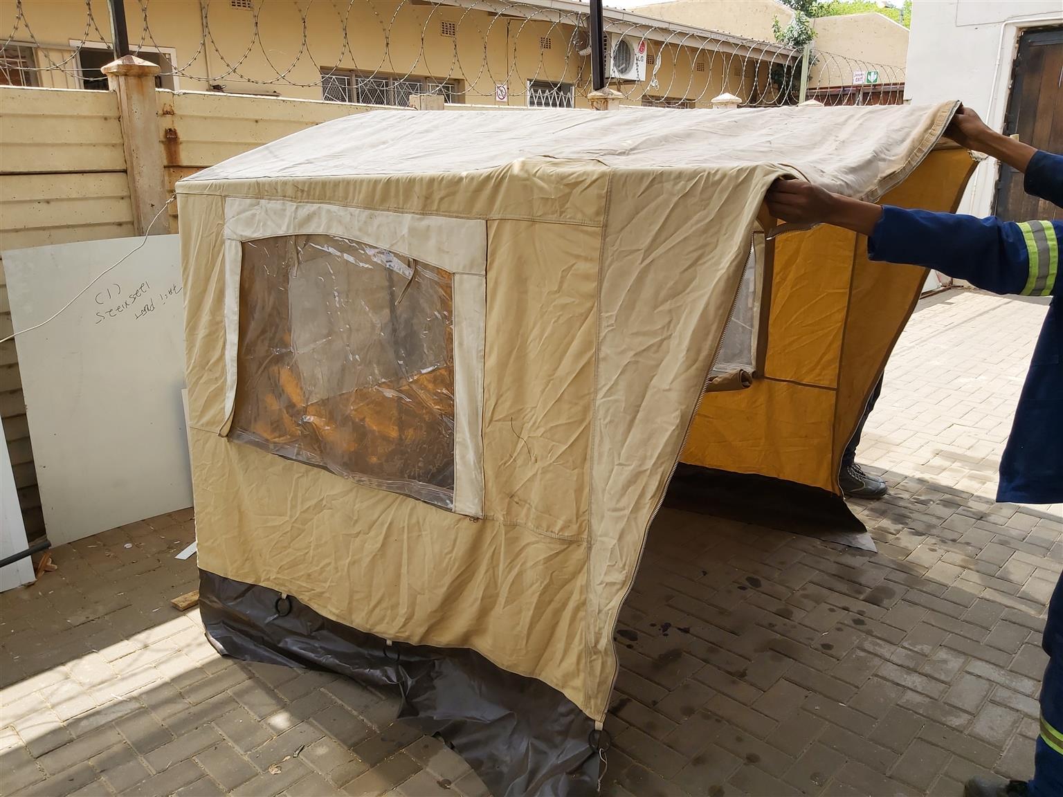 Ad a Room coming from Sprite Swift caravan 1986,should fit on simmular models caravans