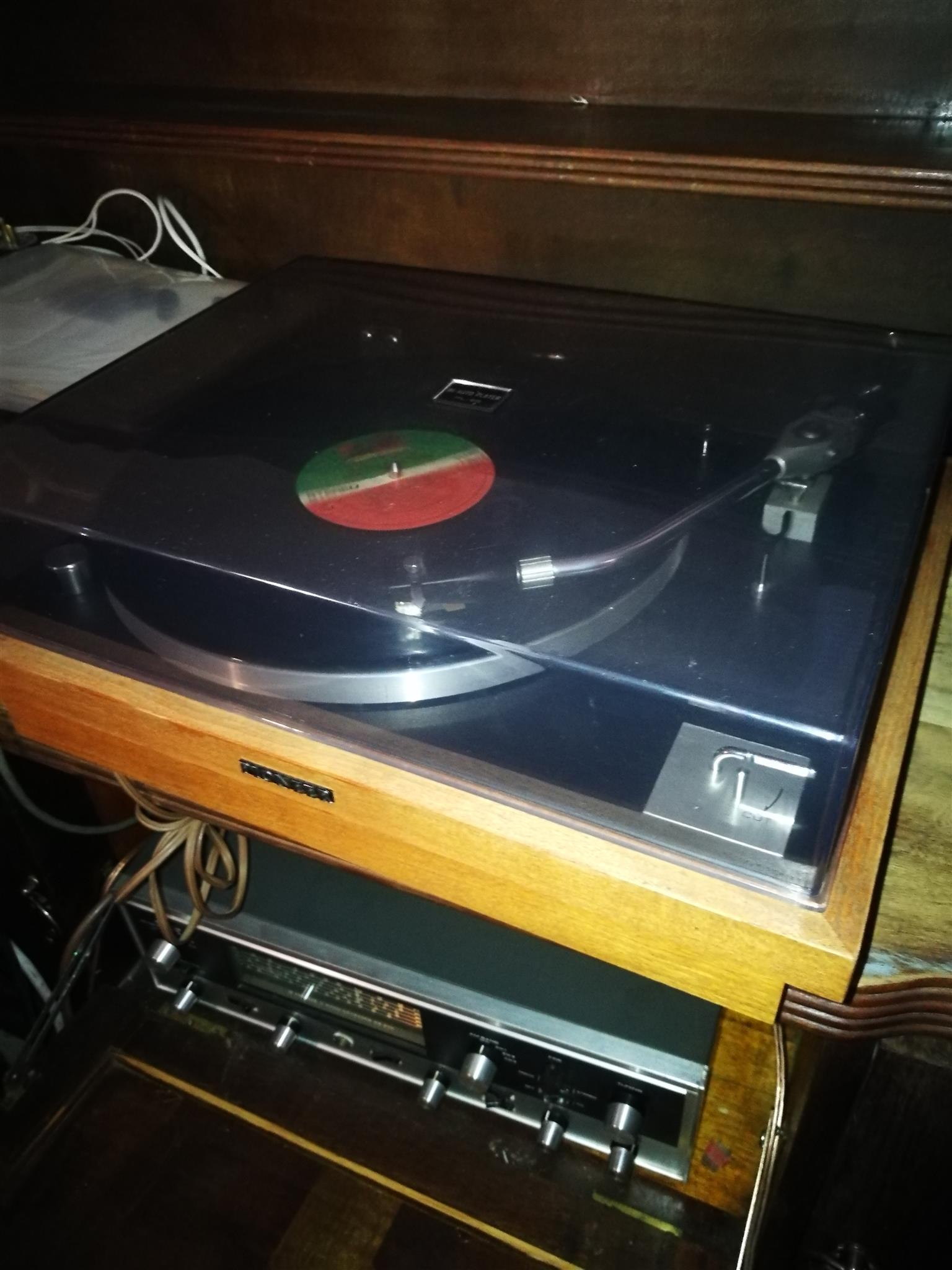 Classic Vintage Pioneer PL 25 Turntable