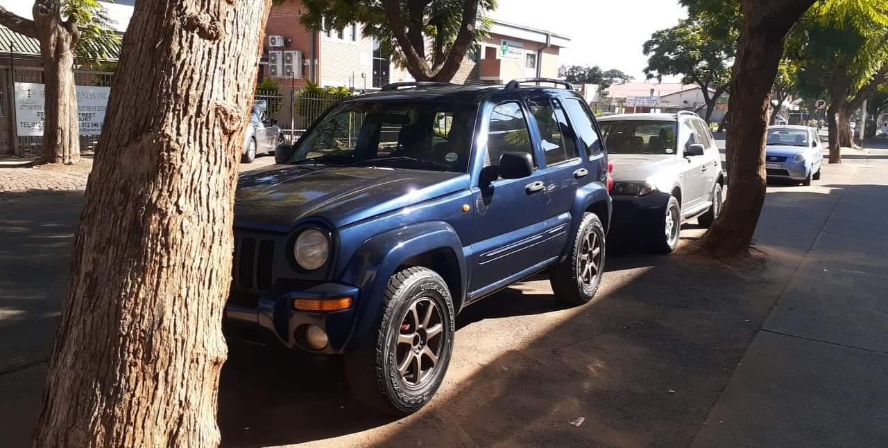 2004 Jeep Cherokee 3.7L Sport