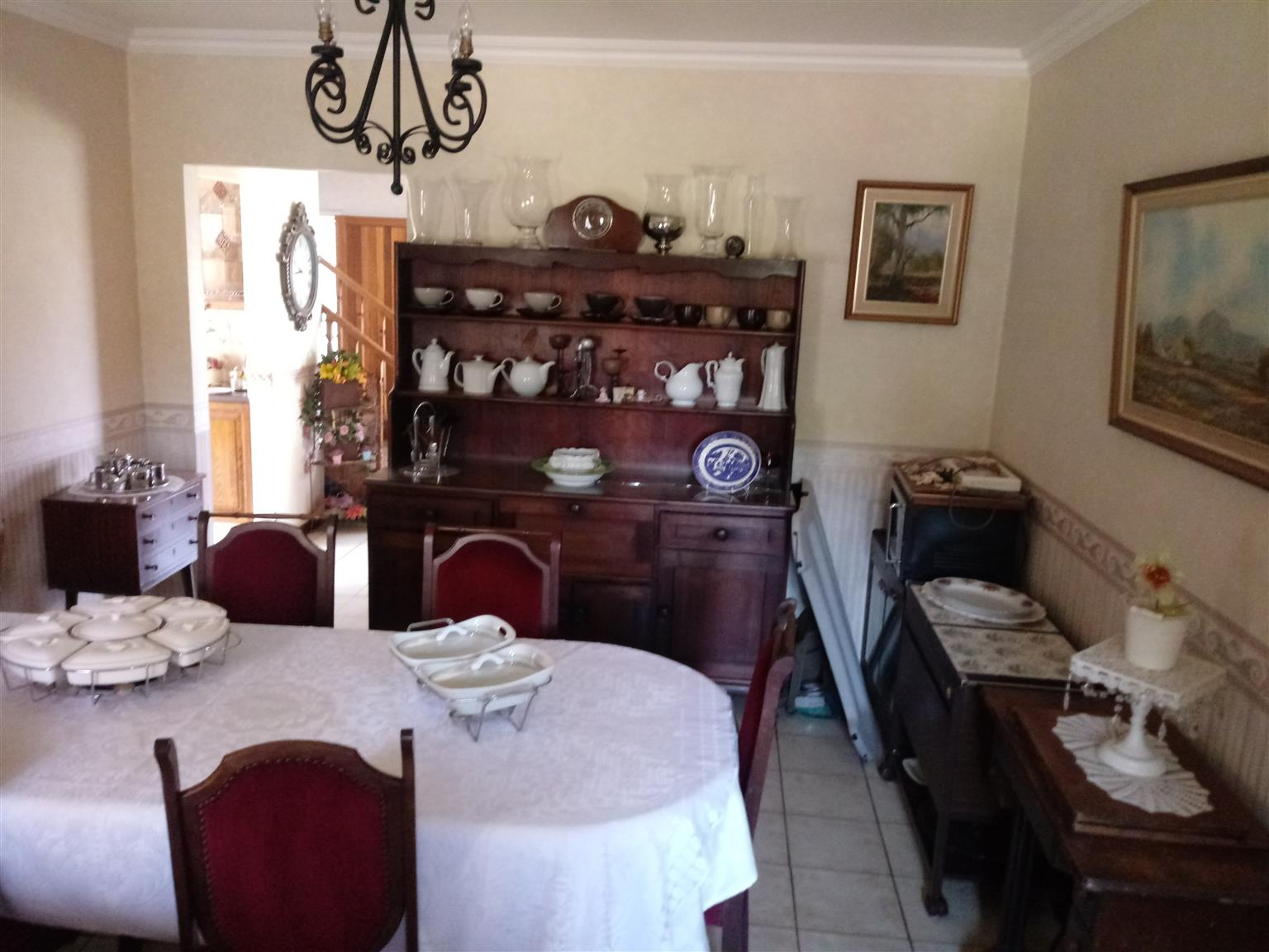 Excellent family home with flat for the inlaws in Benoni