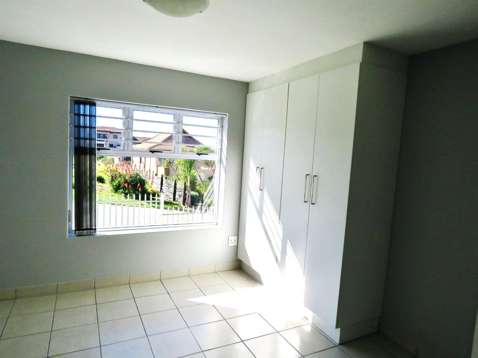 Apartment For Sale in Island View