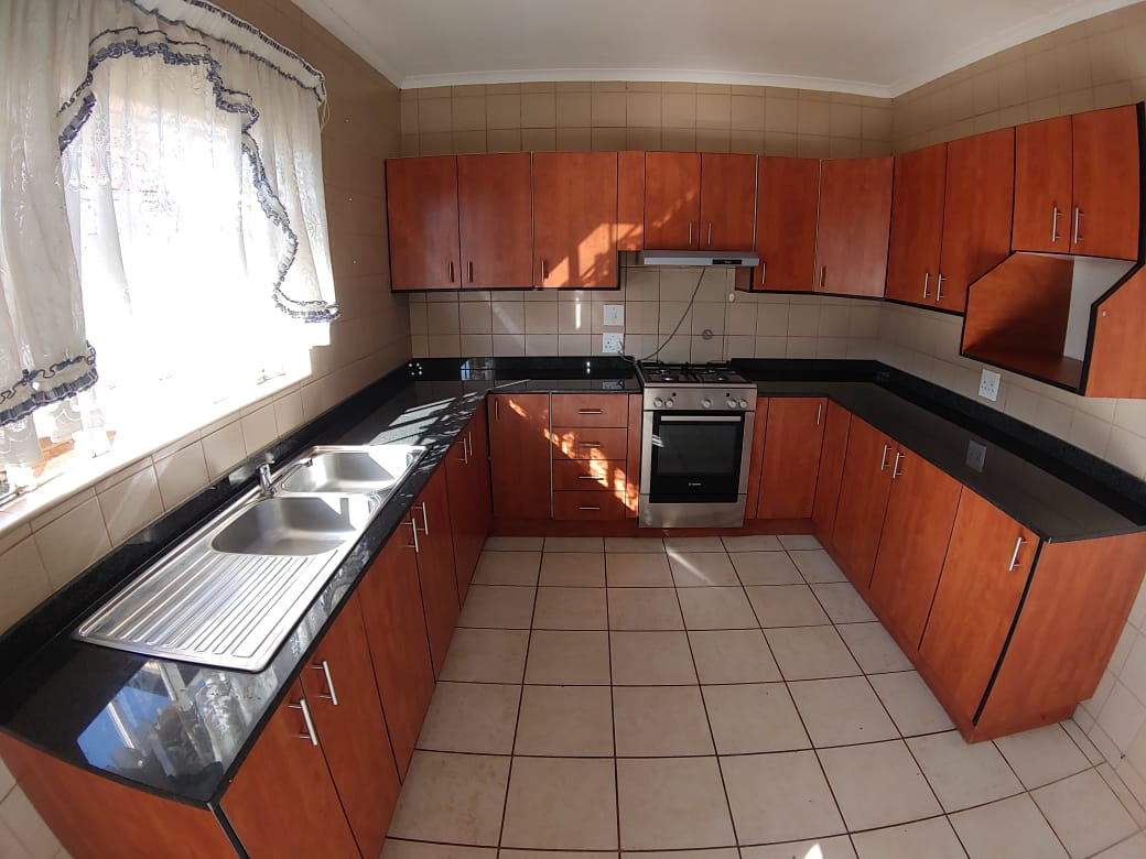 Townhouse to rent in Benoni A/H