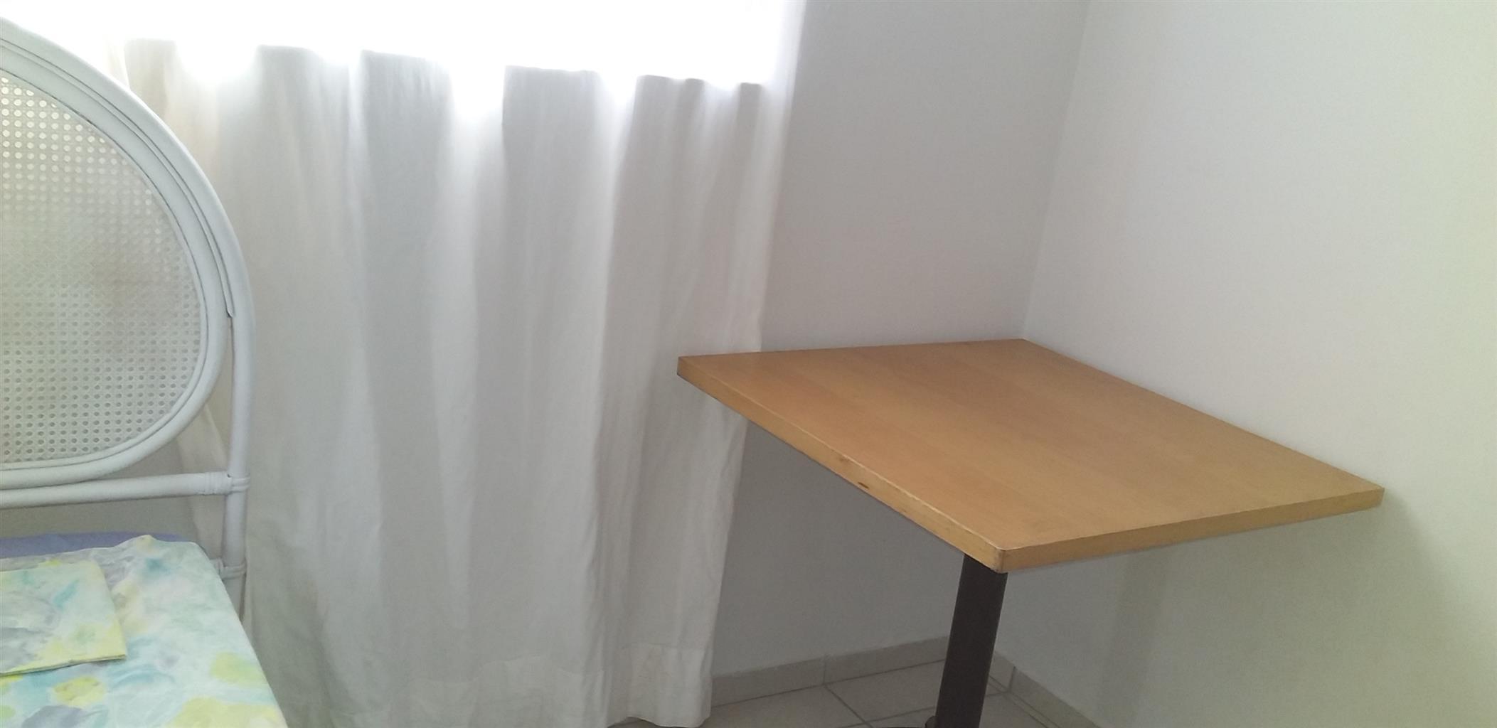 2 BED ROOMED RENOVATED BRICK HISTORICAL WORKER'S HOUSE  IN UILENKRAALSMOND GANSBAAI. WC.