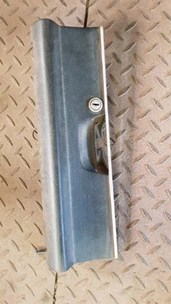 Mercedes-Benz W115 Dashboard Compartment Cover