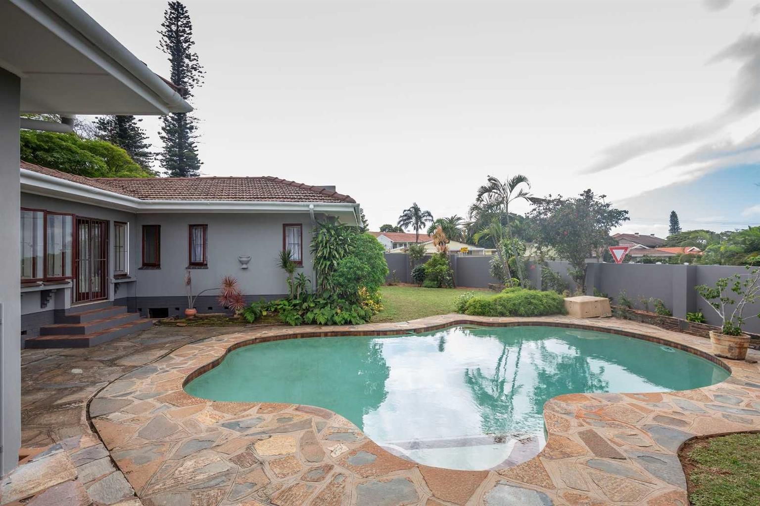 House Share (St Andrews Drive Durban North)