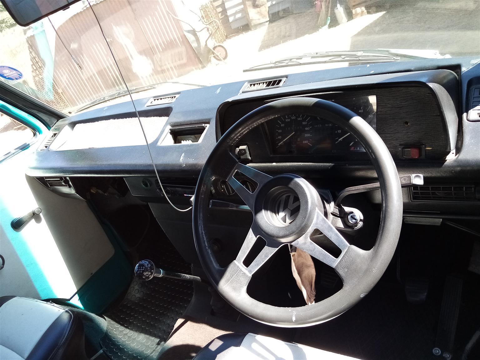 1987 VW Volkiesbus