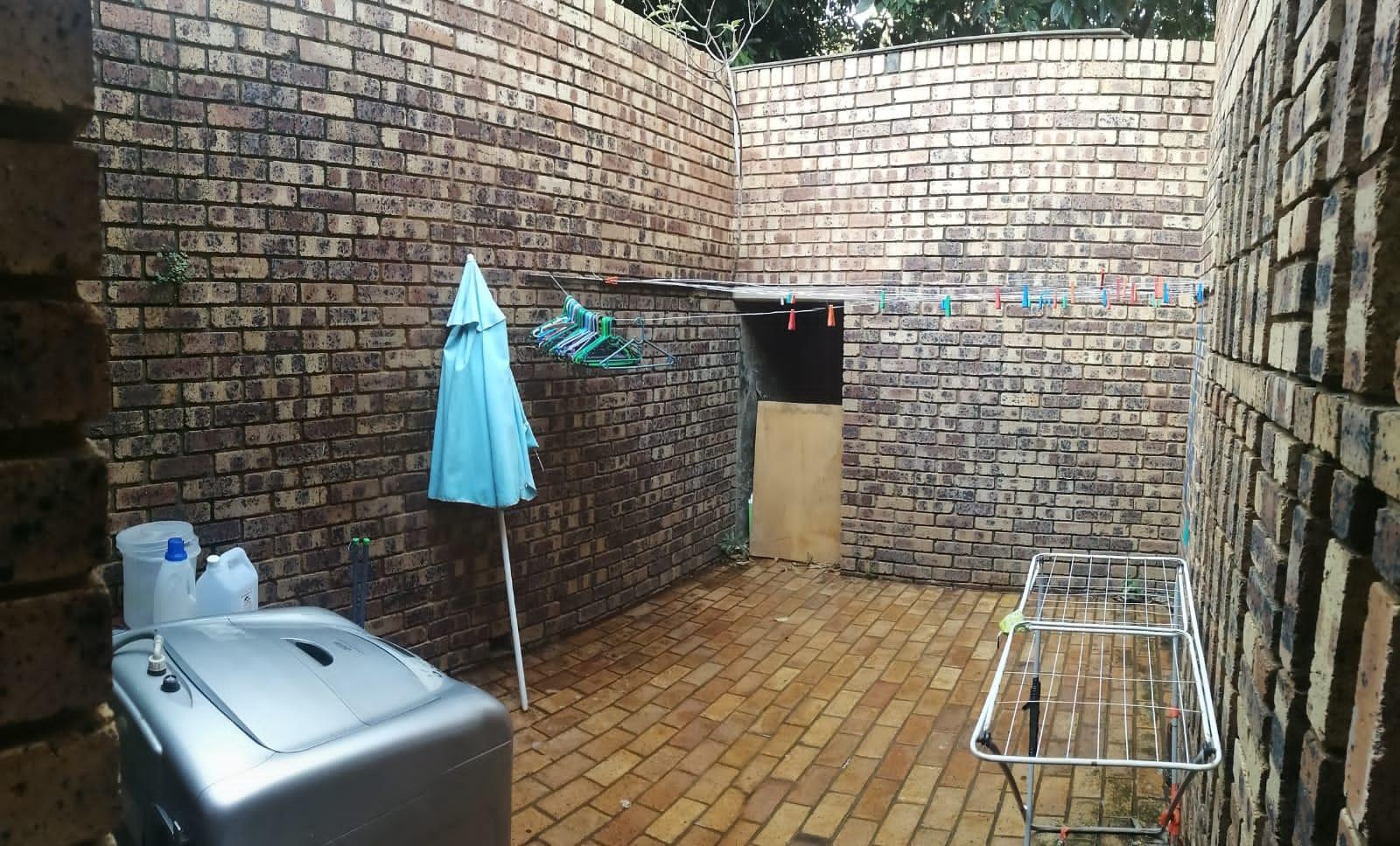 Neat 2 bedroom garden flat in Magalieskruin