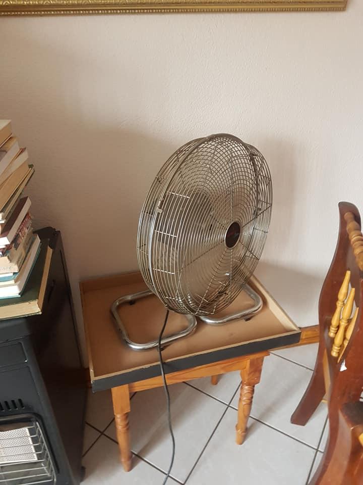 Steel mini desk fan for sale