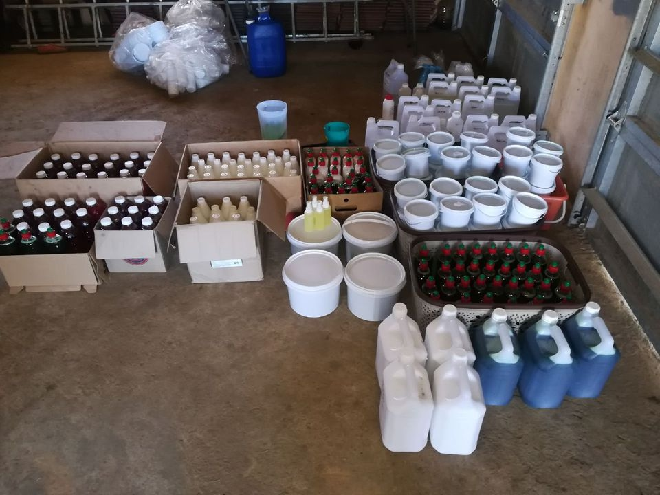 130 DETERGENTS FORMULAS WITH SUPPLIERS OF RAW MATERIALS AT R500 AND OIL BASED PERFUMES RECIPES.