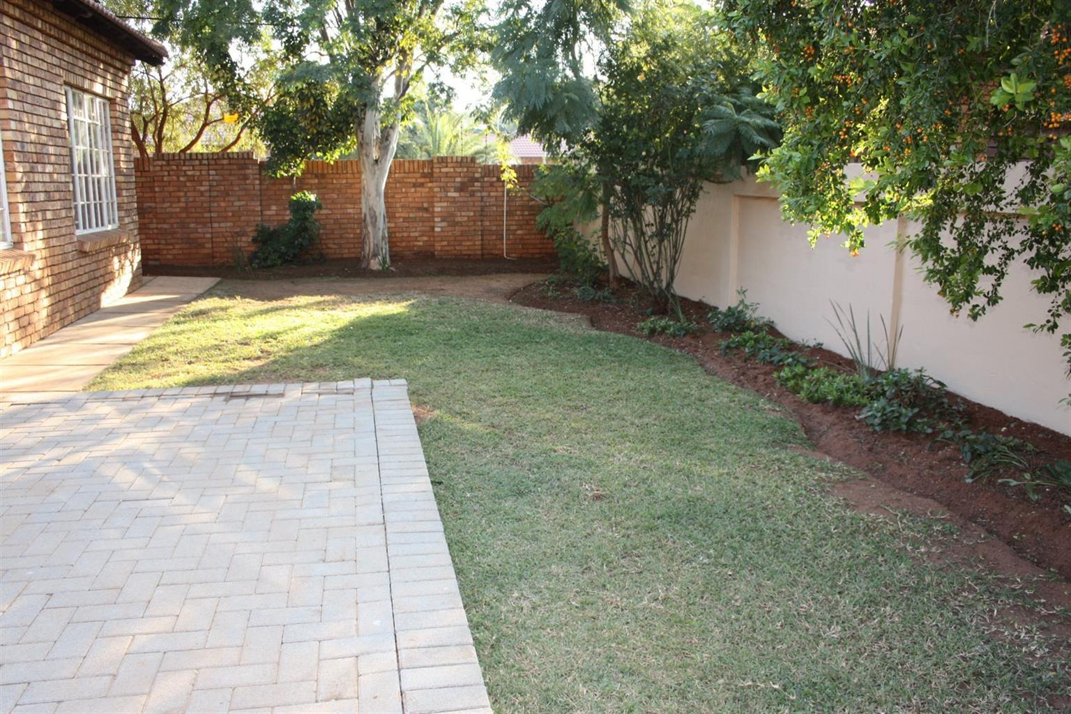 2 BEDROOM HOUSE FOR SALE IN THERESAPARK