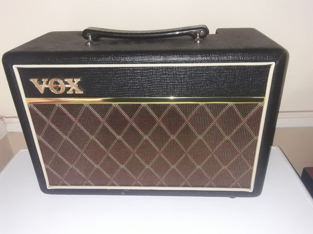 Santa fe electric guitar and amp for sale