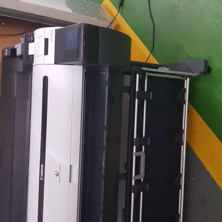 canon ipf785. large format  printer