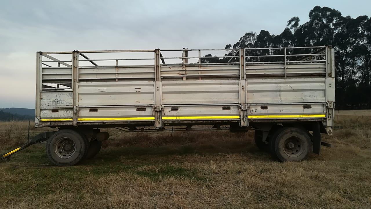 '99 LCM Cattle & Bulk trailer - R 89 000 +VAT