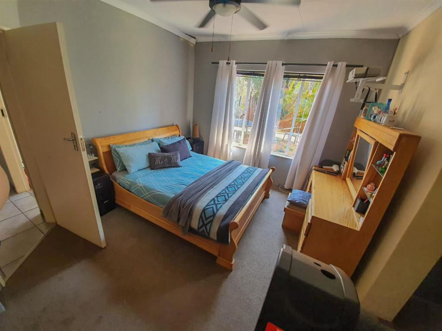 House For Sale in ROOIHUISKRAAL