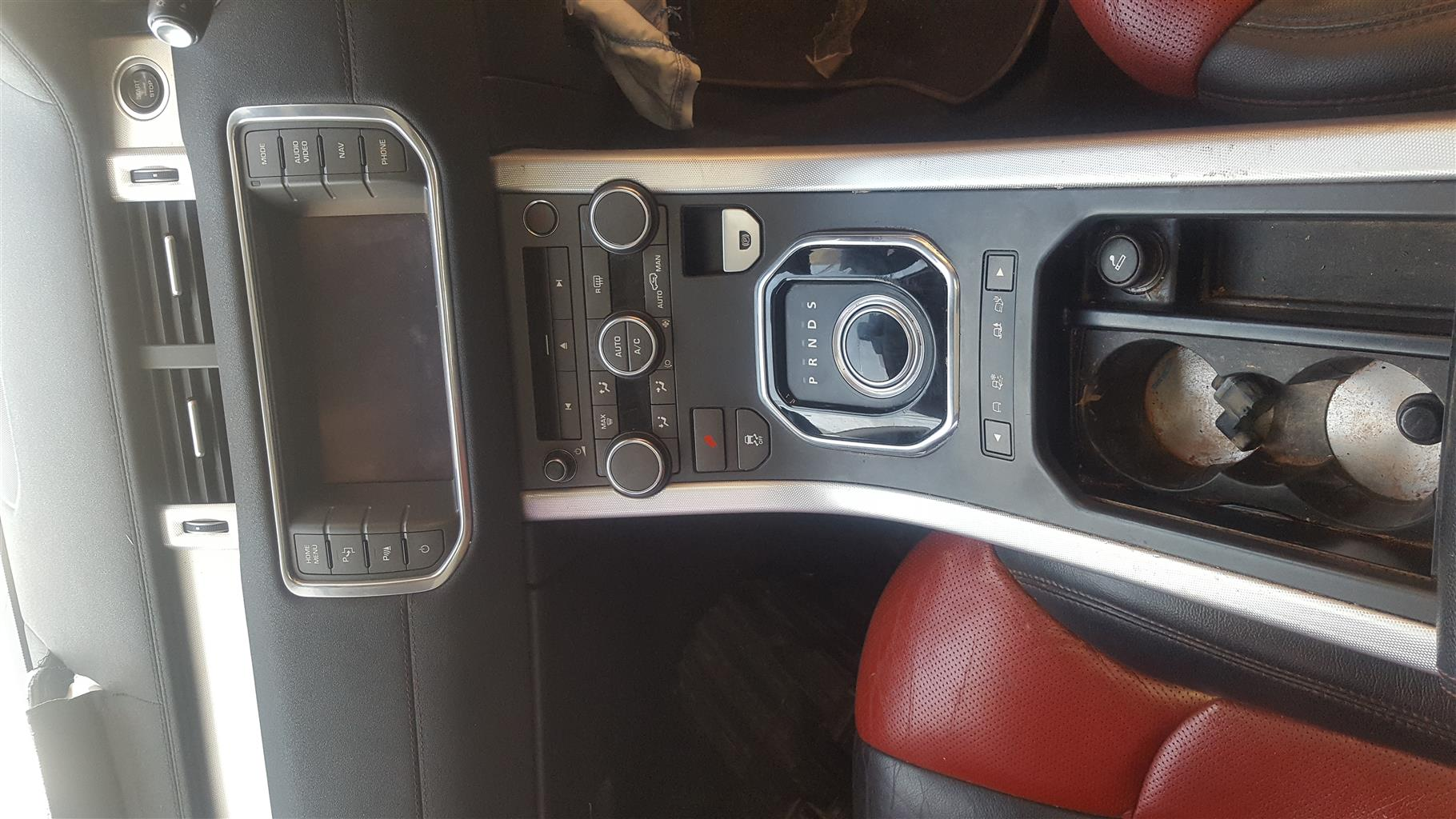 2013 Range Rover Evoque Satnav/ Radio for sale