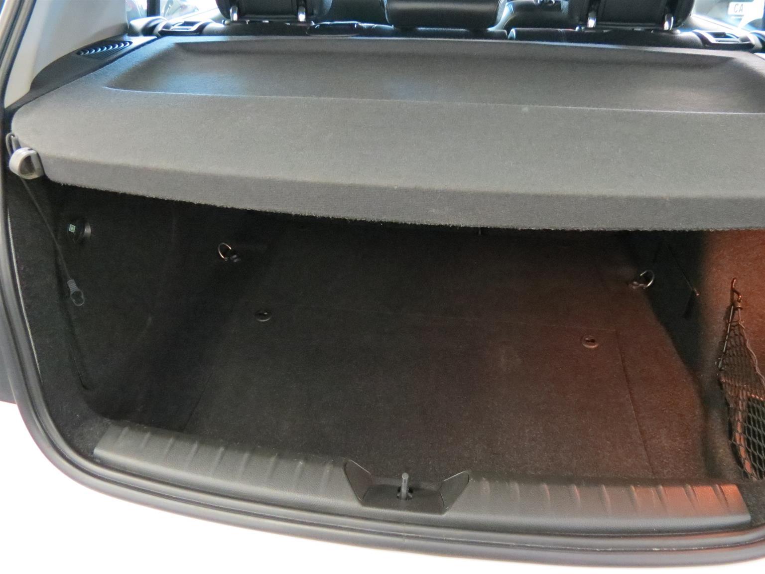 2012 BMW 1 Series 116i 5 door auto