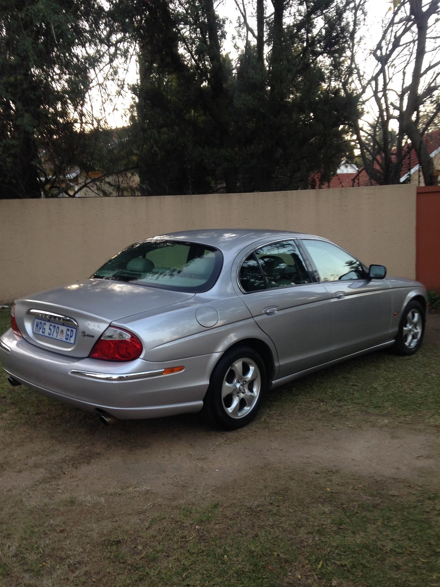 Attractive 2001 Jaguar S Type